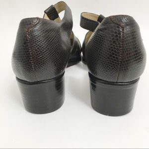 Kenneth Cole Shoes - Kenneth Cole Brown Closed Toe Sandals J0180